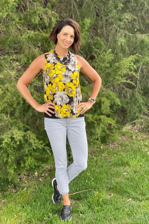 workwear yellow sleeveless top
